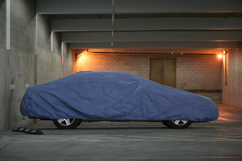 Autoabdeckungen für den Hagelschutz können Ihnen helfen